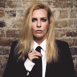 Photo of Sara Pascoe